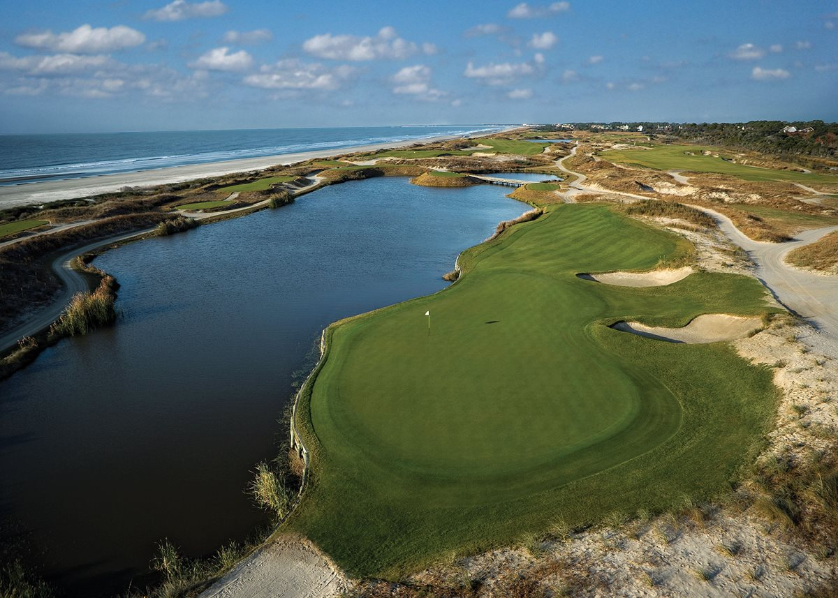 Raise a Glass to the 19th Hole at These Golf Resorts